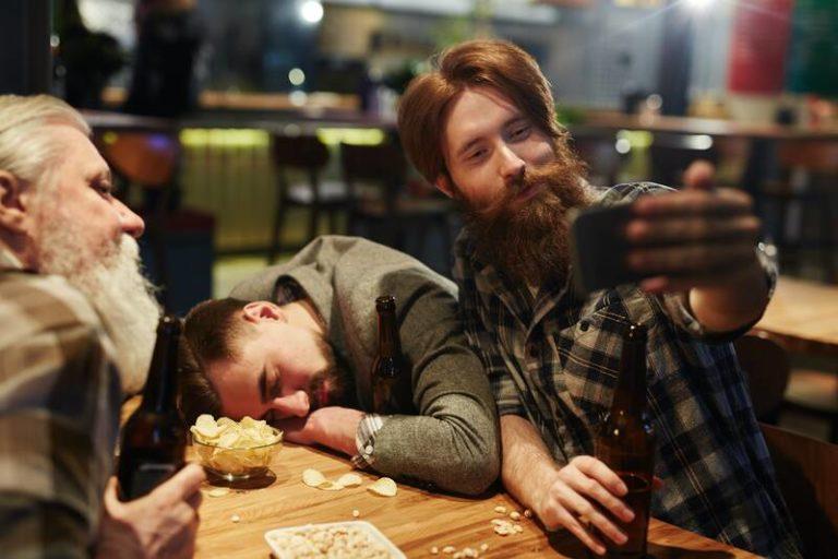 Wat is alcoholvergiftiging